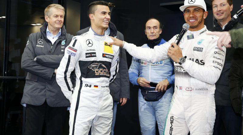 Mercedes aumenta la rumorología de su piloto invitado
